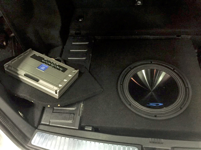 Alpine PDR-V75 five channel &lifier that powers all small speakers in vehicle as well as the Alpine Type S 12u2033 subwoofer. In this picture you can see the ... & Custom Car Audio Installs at National Auto Sound ... Aboutintivar.Com